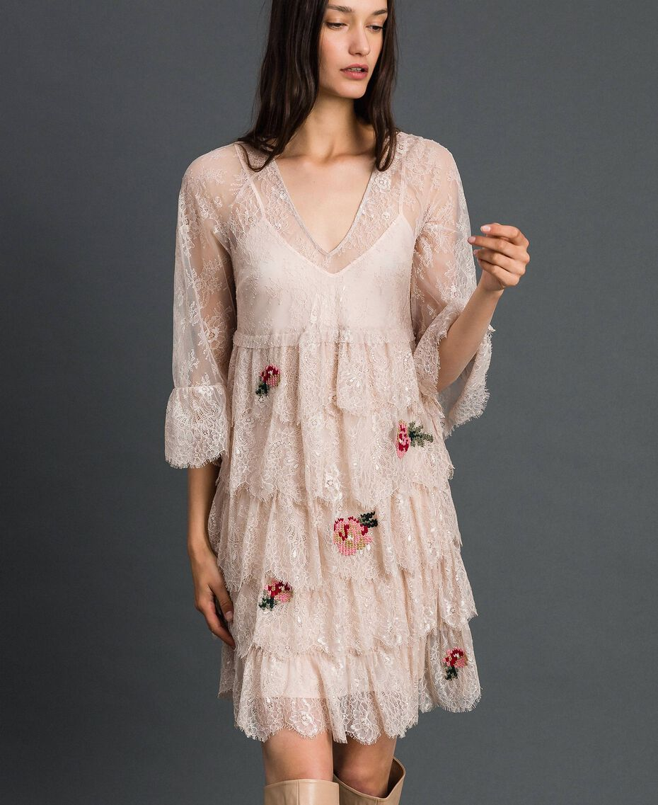 Robe en dentelle de Valenciennes avec broderies florales Noir Femme 192TP2586-02