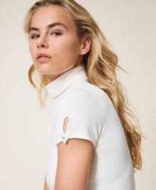 Short sleeve turtleneck jumper White Snow Woman 202TP3522-01