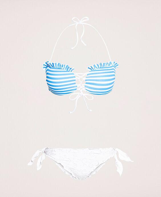 Bikini avec rayures et broderie anglaise