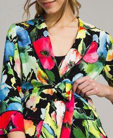 Marocain-Jacke mit Blumenmuster Motiv Schwarzer Garten Frau 191TT2470-04