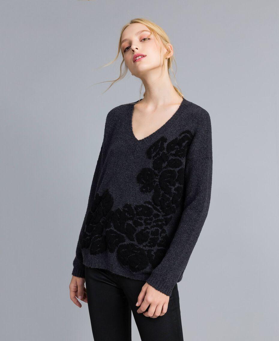 Pull bicolore avec incrustation florale Bicolore Gris Anthracite Fleur Noir Femme TA8393-02