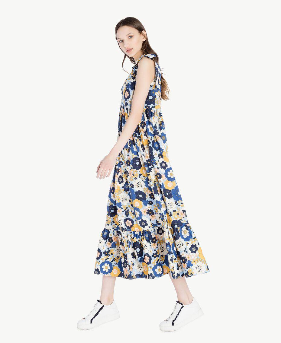 Langes Kleid mit Print Flacher Blumenprint Placid Blue Frau SS82PE-02