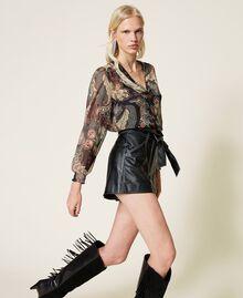 High-Waist-Shorts mit Gürtel Schwarz Frau 212TP2510-01