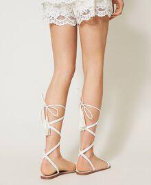 Sandales plates avec clous Ivoire Femme 211LMPZZZ-0T
