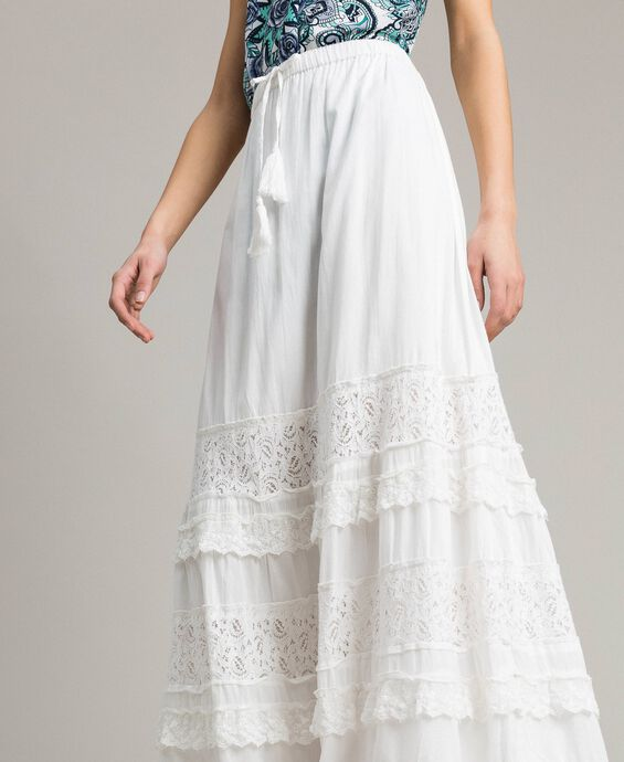 Long skirt with lace and embroidery
