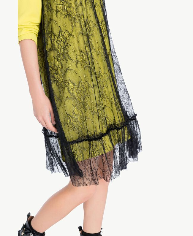 Kleid im Unterkleidstil mit Spitze Schwarz Weiblich PA72YE-04