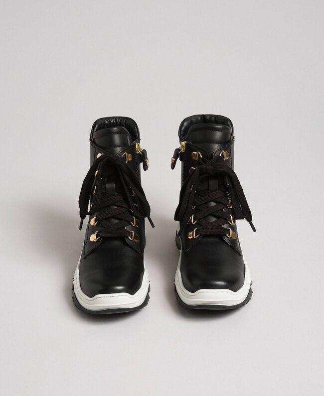 Sneakers alte in pelle con allacciatura trekking Nero Bambina 192GCJ022-04