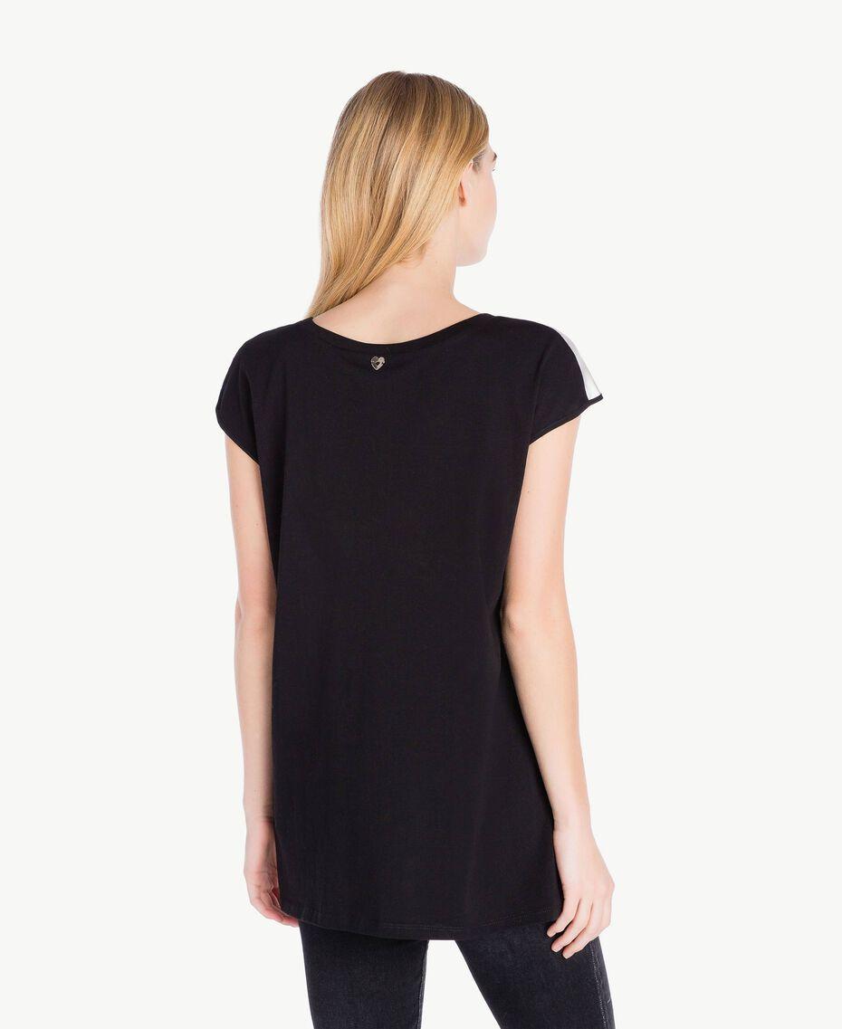 Maxi-T-Shirt mit Rosen Arabeskenprint PA724D-03