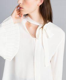 Blusa in misto seta con plissé Bianco Neve Donna TA823T-01