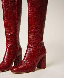 Stiefel aus Leder in Kroko-Optik Krokoprägung Kirschrot Frau 202TCP07C-04