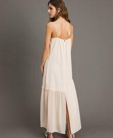 Kleid im Unterkleidstil aus Crêpe de Chine mit Spitze Morgendämmerung Frau 191ST2064-03