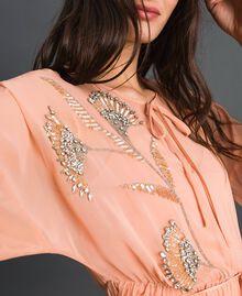 Robe en crêpe georgette avec broderies florales Rose Mousse Femme 192TP2160-04