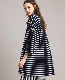 Ungefütterter Mantel mit Streifen Streifen Cremeweiß / Blue Shadow Frau 191ST2030-02