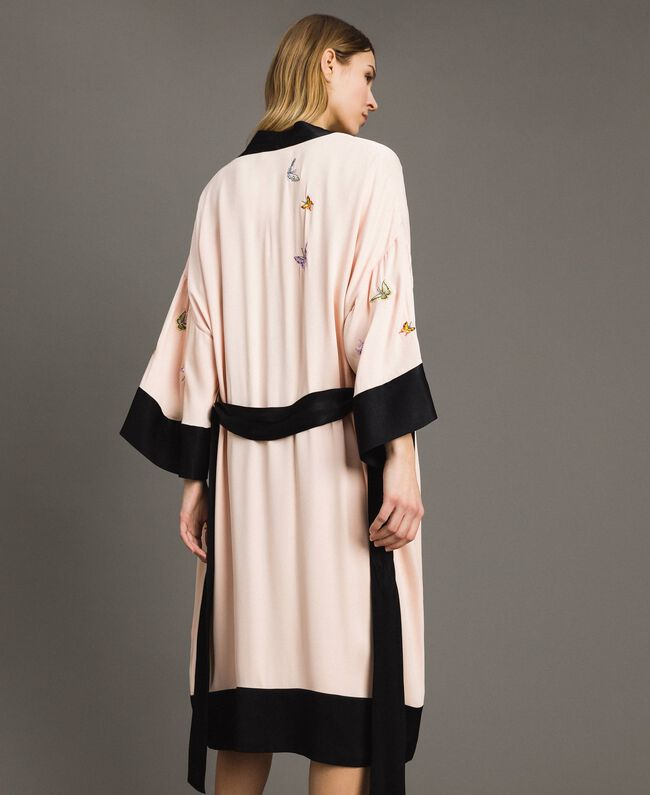 "Satin kimono with butterfly embroidery Two-tone ""Rose Sand"" Pink / Black Woman 191TT2110-03"