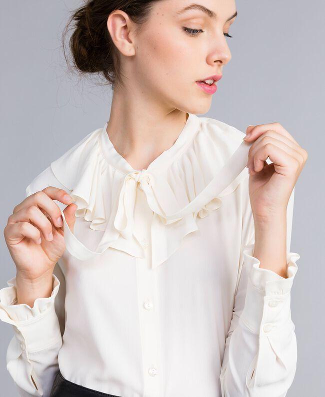 Chemise en soie mélangée avec col pierrot Blanc Neige Femme PA828F-01