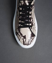Sneakers in pelle con stampa animalier Stampa Pitone Roccia Donna 192TCT118-04