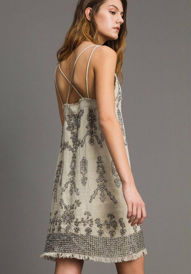 Leinen-Kleid mit Perlen und Pailletten