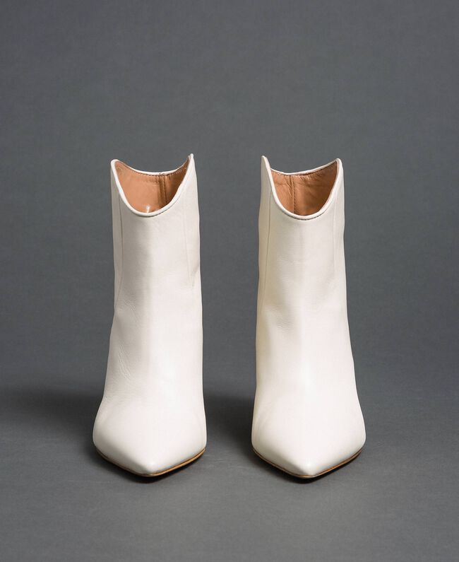 Leather ankle boots White Snow Woman 192TCT01A-04