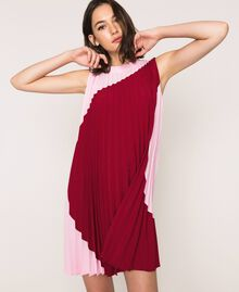 """Pleated crêpe de Chine dress Two-tone """"Crimson"""" Red / """"Candy"""" Pink Woman 201ST2011-01"""