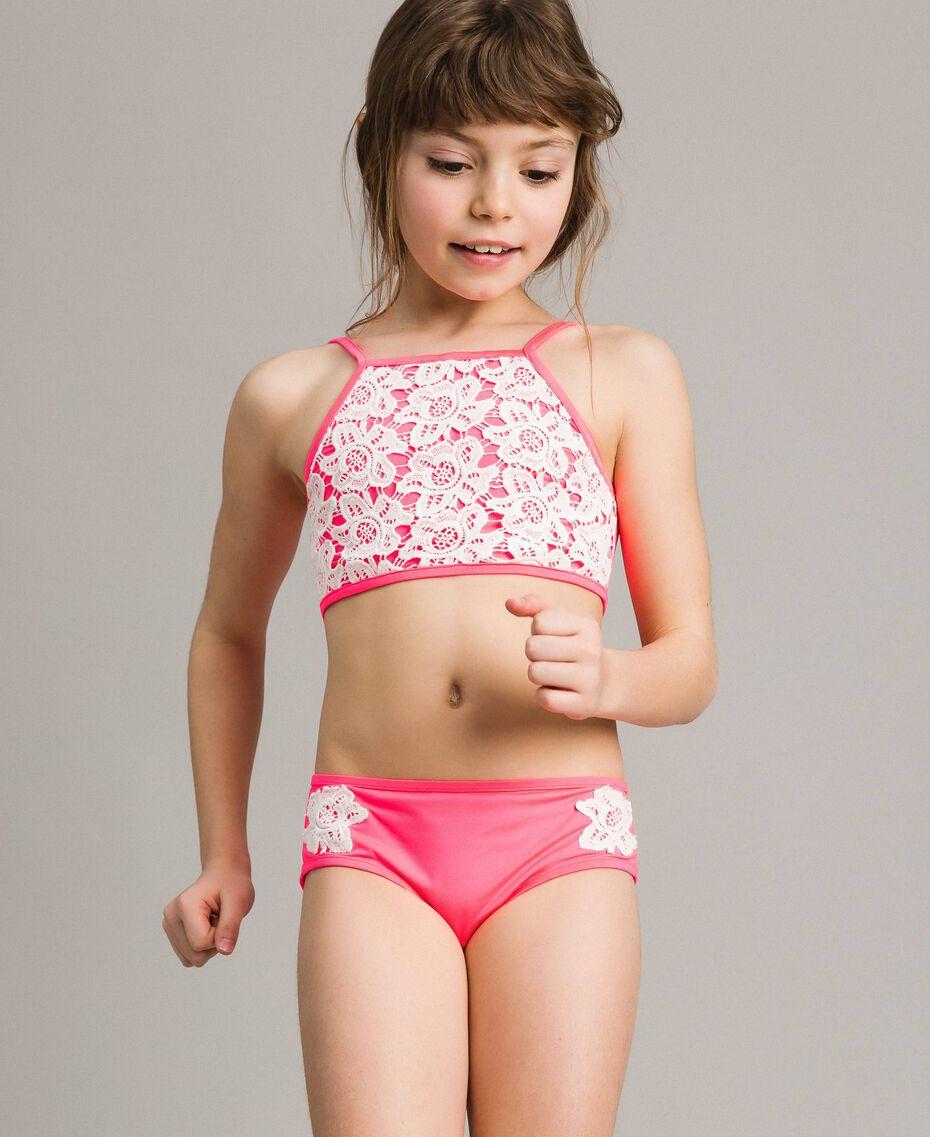 Bikini mit Makramee-Spitzenstickereien Zweifarbig Neonpink / Optisch Weiß Kind 191GJM903-0S
