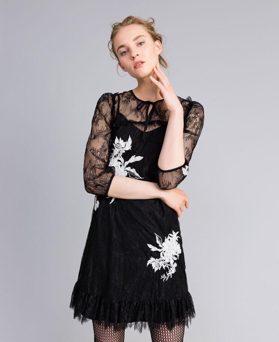 Kurzes Kleid aus Valenciennesspitze Schwarz Frau PA824P-01