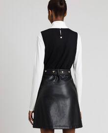 Kurzes Kleid aus Lederimitat mit Gürtel Schwarz Frau 192MP2021-03