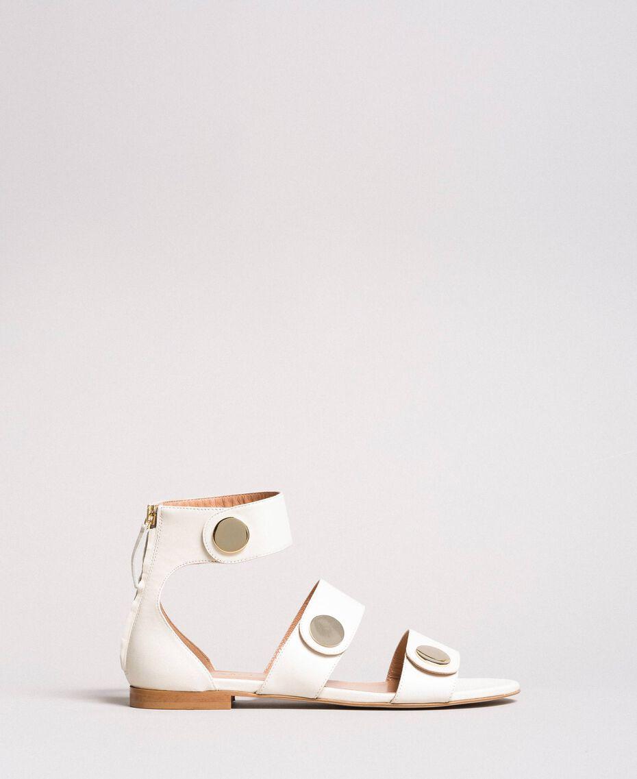 Sandales en cuir avec boutons Blanc Neige Femme 191TCP094-01