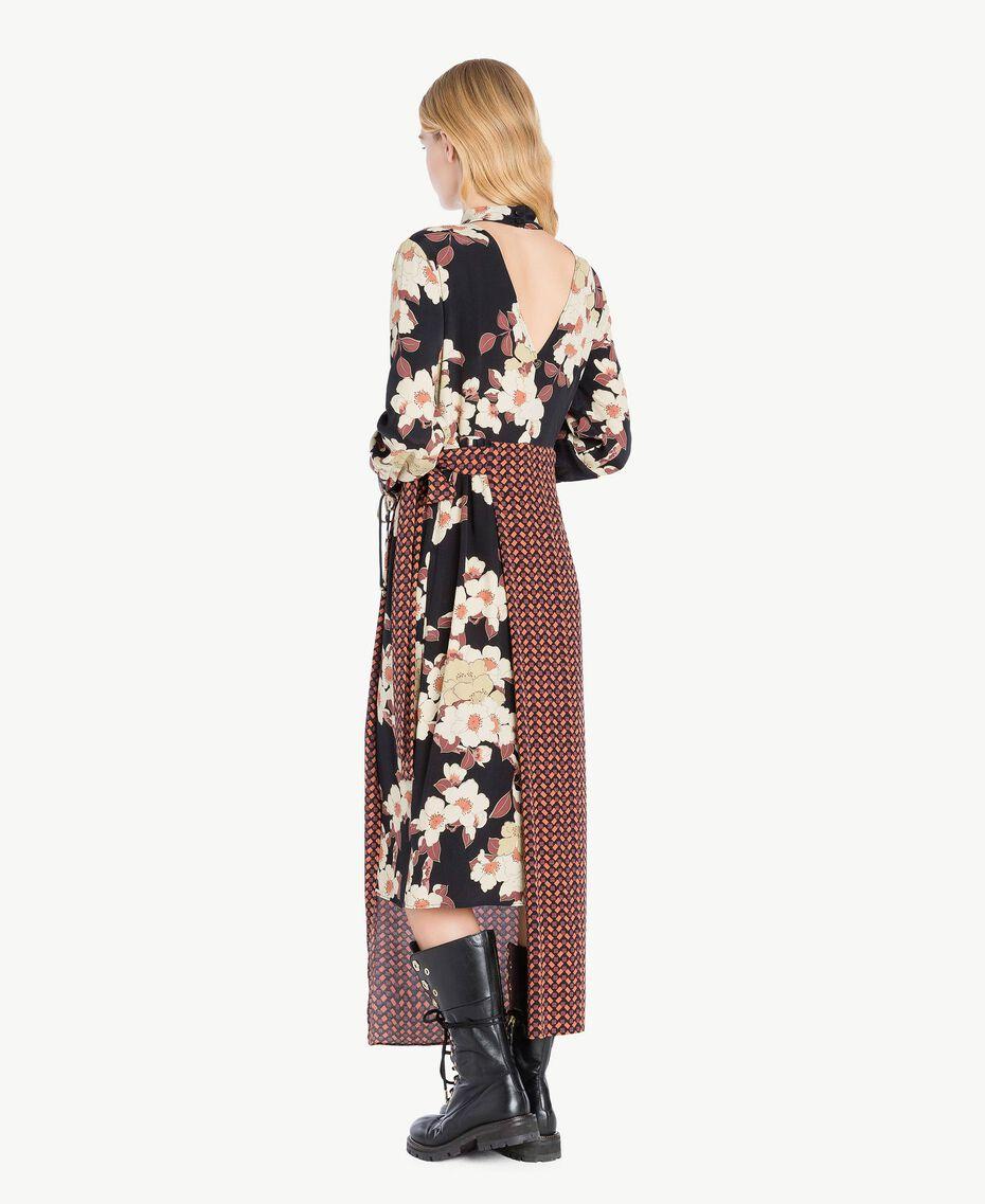 Kleid mit Print Mehrfarbiger Kirschblütenprint TA7251-03