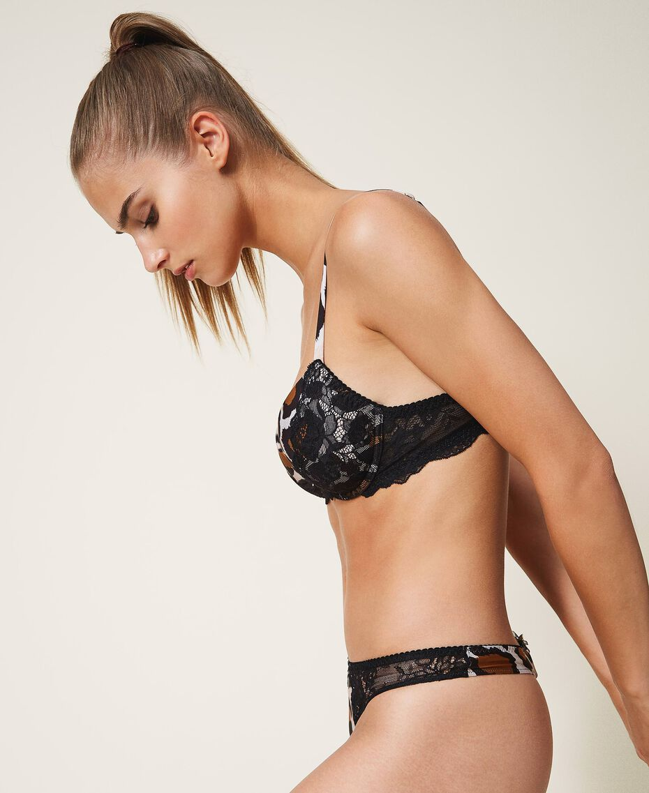 Printed g-string with lace Animal Print Woman 202LL6E88-02