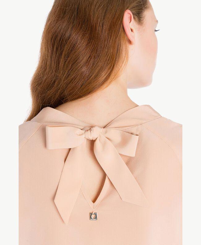 Bluse aus Seide Suntan-Rosa TA72F3-04