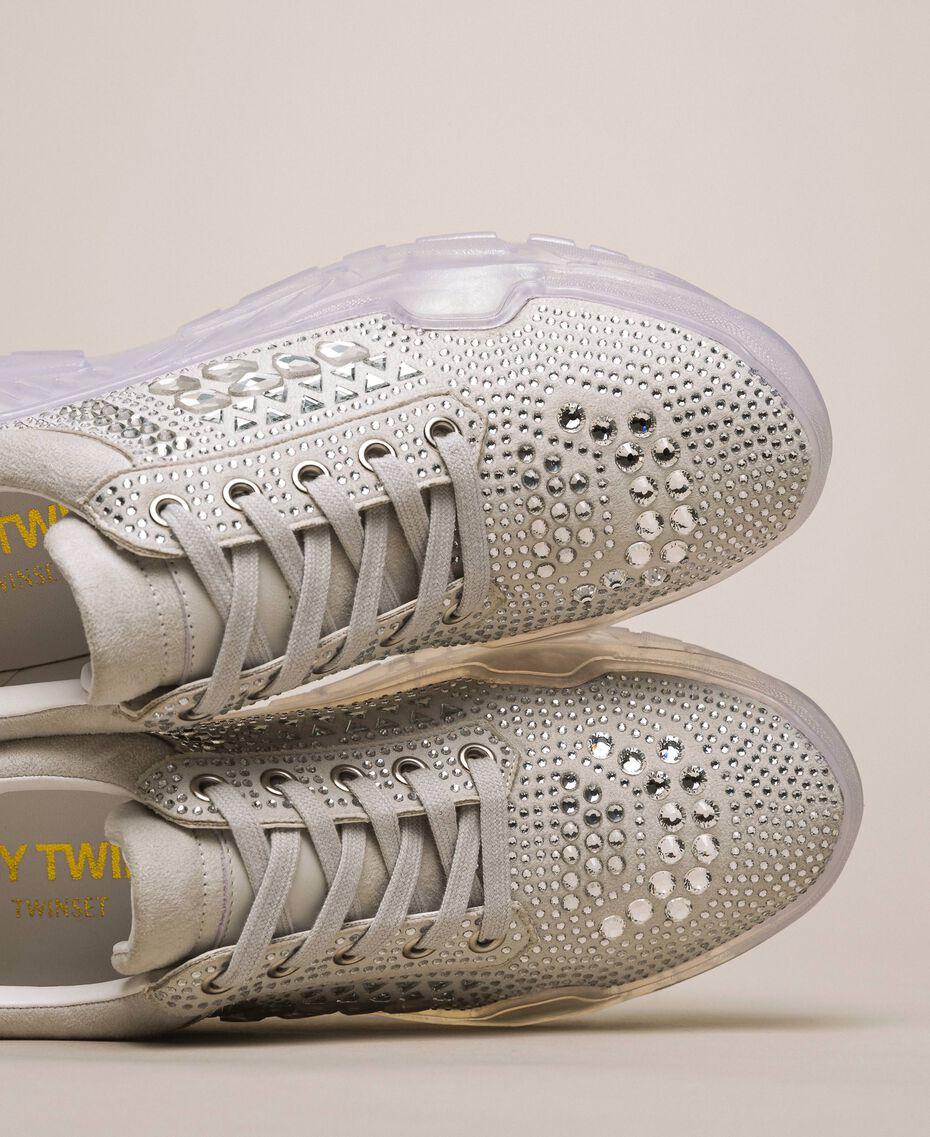 Chaussures de running en cuir velours et strass Blanc Femme 201MCT042-02