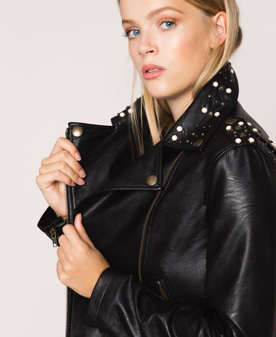 Байкерская куртка из искусственной кожи с заклепками и жемчугом