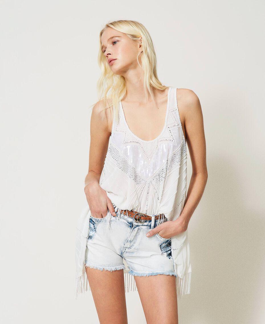 Shorts en jean avec patchs brodés Bleu «Beach» Brodé Femme 211TT243A-01