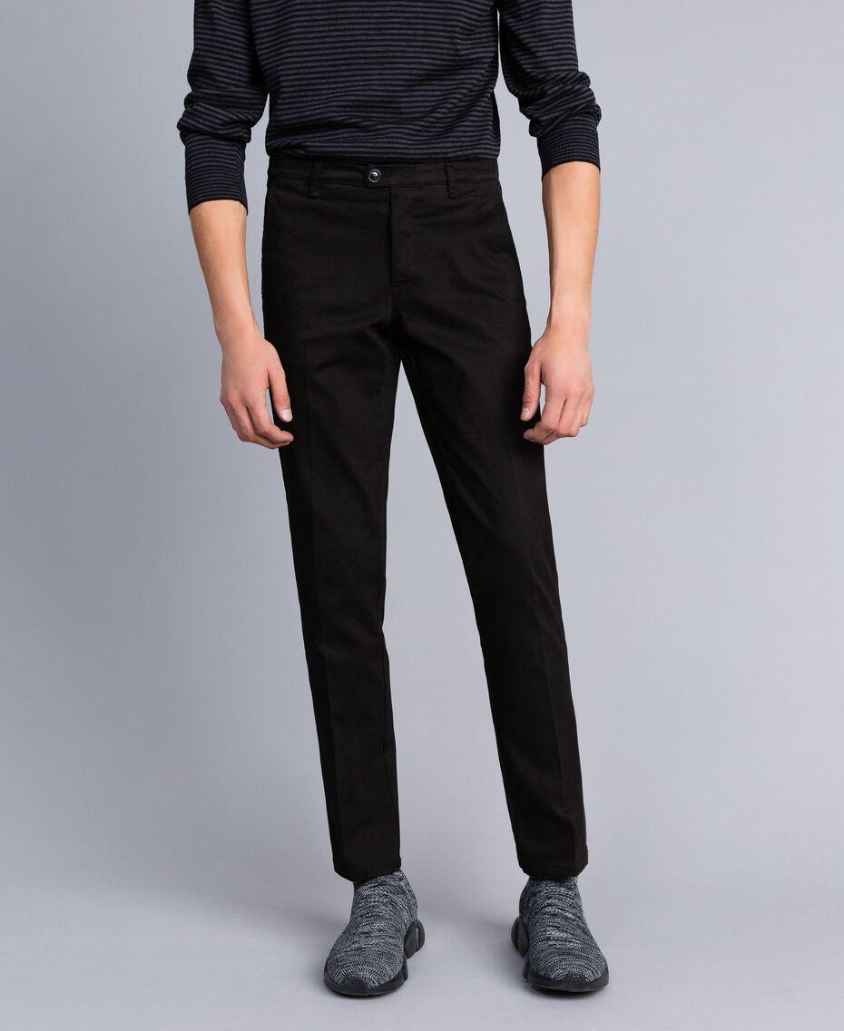 Pantalón de gabardina de algodón Negro Hombre UA82CN-02