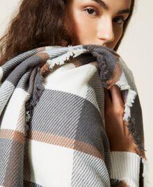 Poncho en drap jacquard à carreaux Carreaux Gris Chiné / Blanc «Lait» Femme 212AA4062-05