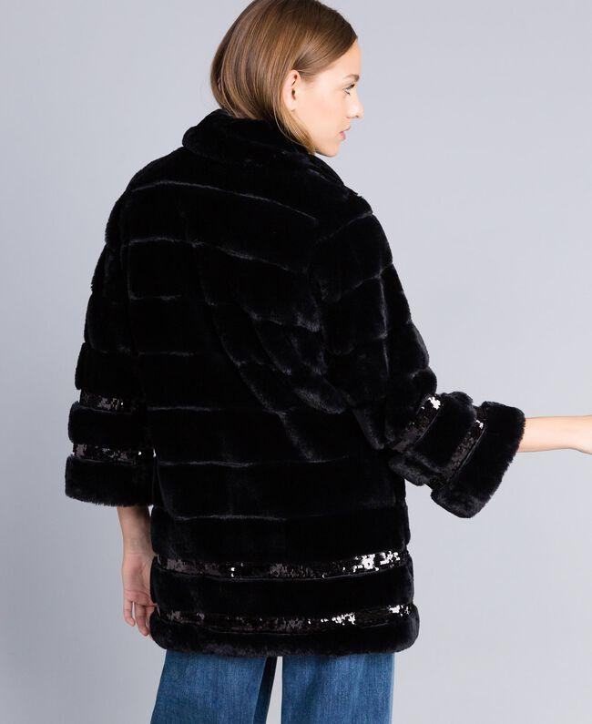Mantel aus Pelzimitat mit Pailletten Schwarz Frau PA82KB-03