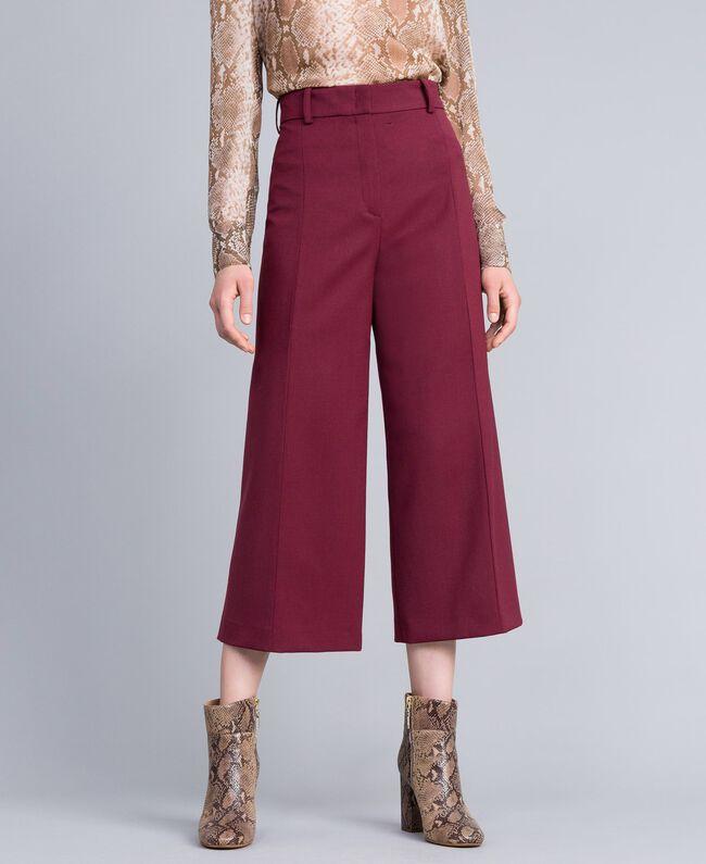Cool wool cropped trousers Bordeaux Woman PA823N-01