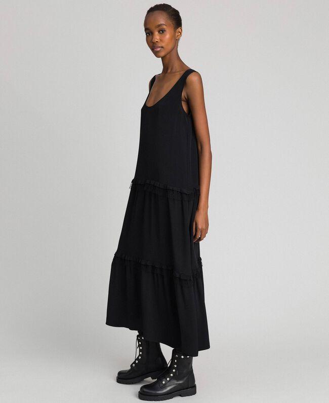 3f02a456e Vestido largo de crespón de China de seda mixta Mujer, Negro ...