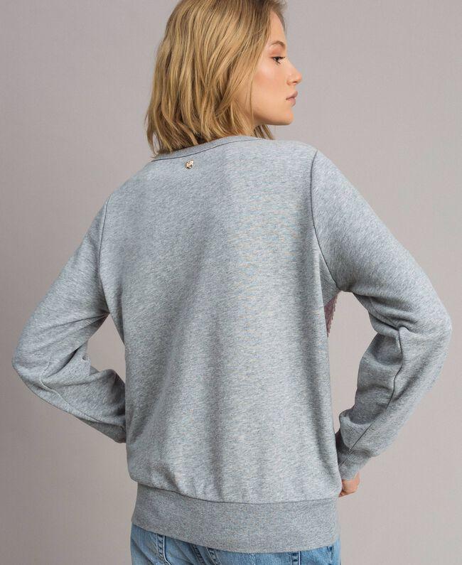 Sweatshirt mit Pailletten im Farbverlauf Zweifarbig Melange Hellgrau / Hortensienpink Frau 191MP2073-03