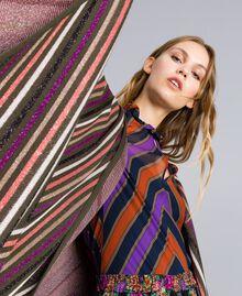 Poncho jacquard à rayures lurex Jacquard Rayure Lurex / Vert Forêt Femme TA838F-04