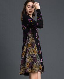 Robe en maille imprimée avec insertions Imprimé Camouflage Femme 192TT3341-02