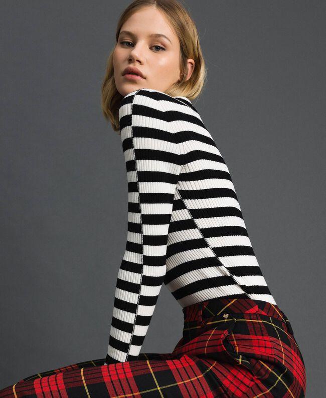"Turtleneck jumper with two-tone stripes Black / ""Papyrus"" White Stripe Woman 192TP3090-01"