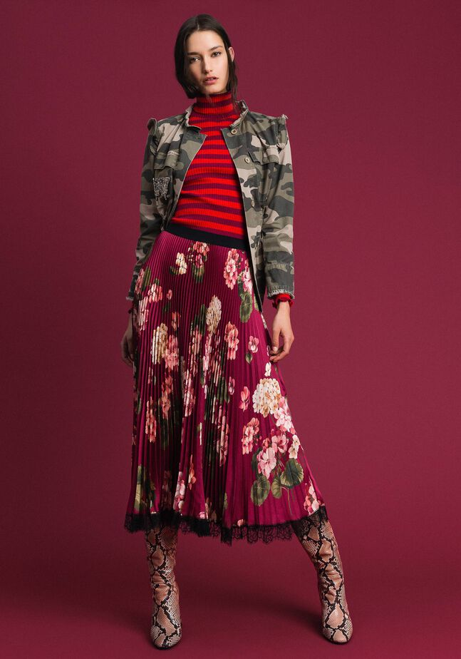 Long pleated skirt in floral twill