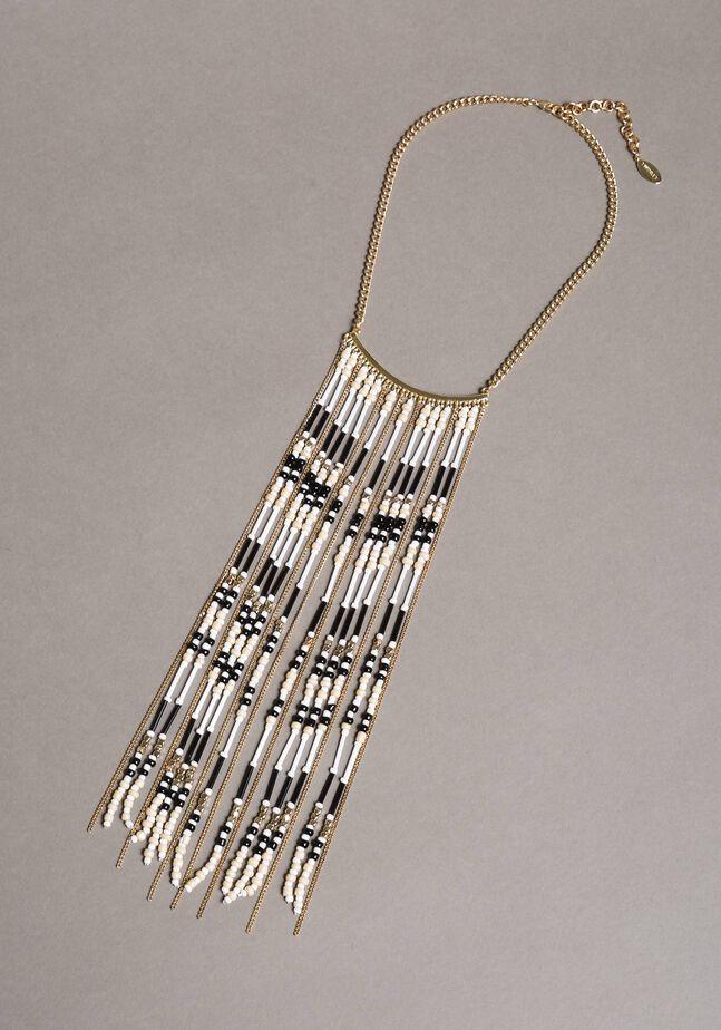 Halskette mit Kettenrändern und Perlen