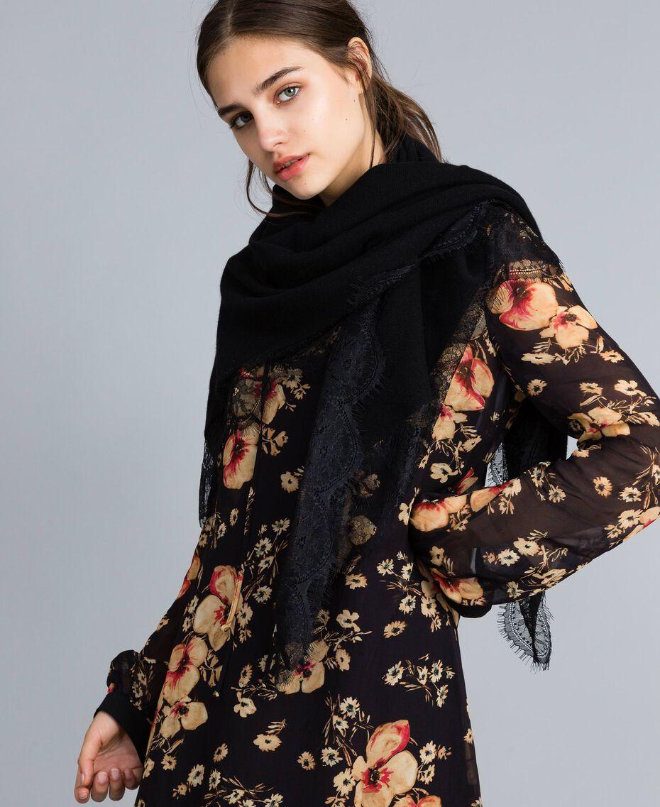 Schal aus Kaschmirmischung und Spitze Schwarz Frau AA8P1P-0S