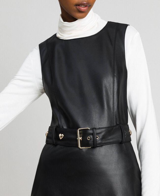 Kurzes Kleid aus Lederimitat mit Gürtel Schwarz Frau 192MP2021-04