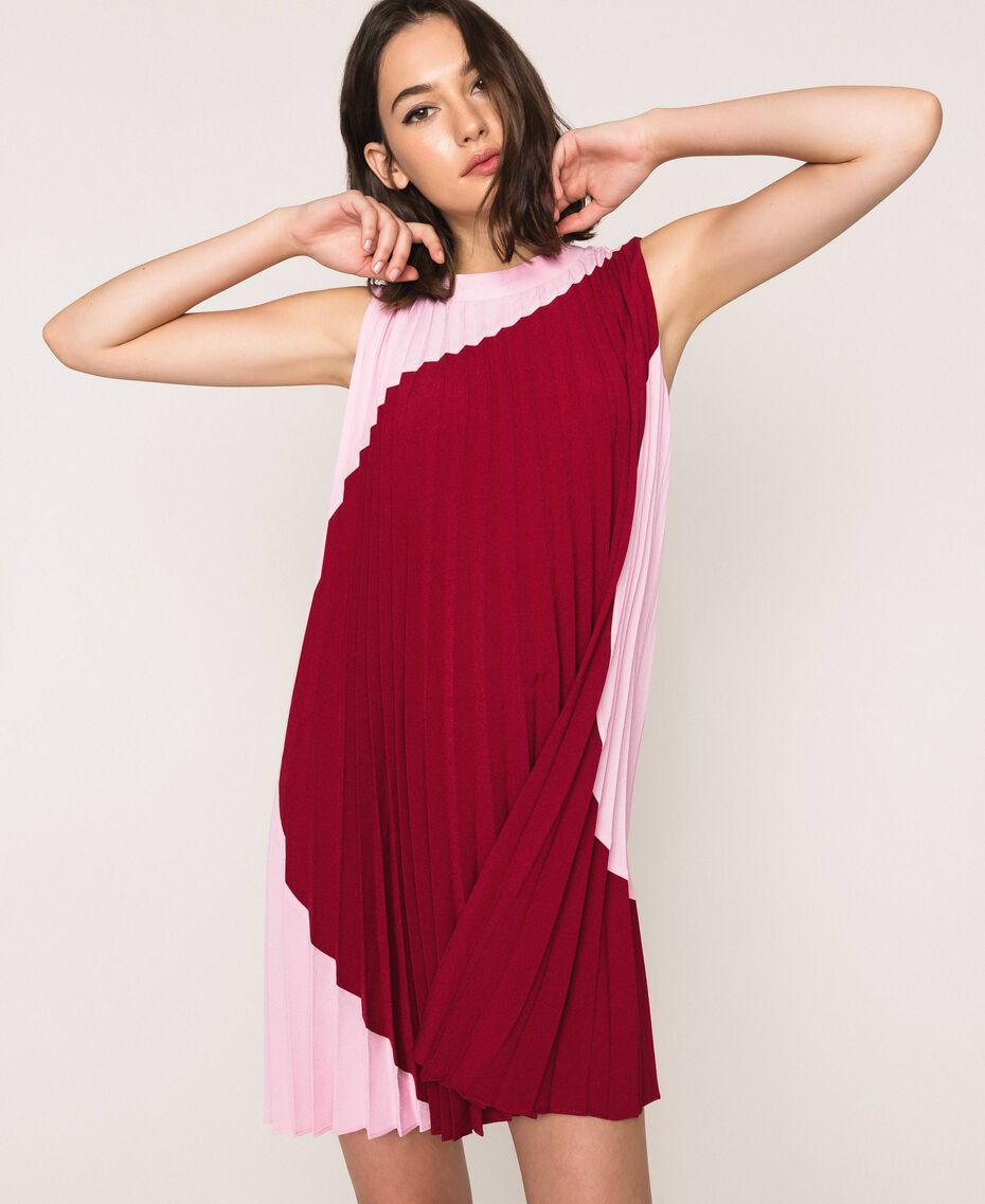 "Pleated crêpe de Chine dress Two-tone ""Crimson"" Red / ""Candy"" Pink Woman 201ST2011-01"