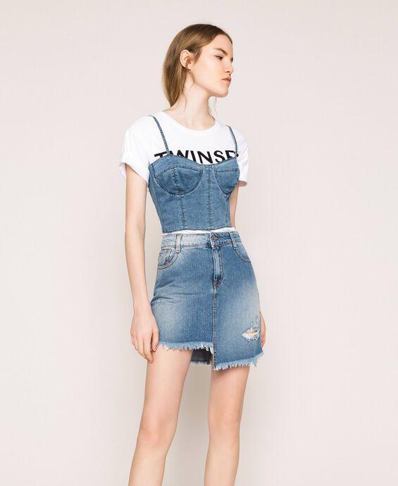 Minigonna in jeans asimmetrica
