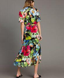 Georgette-Maxikleid mit Blumenmuster Motiv Schwarze Macro Blumen Frau 191TT2481-03