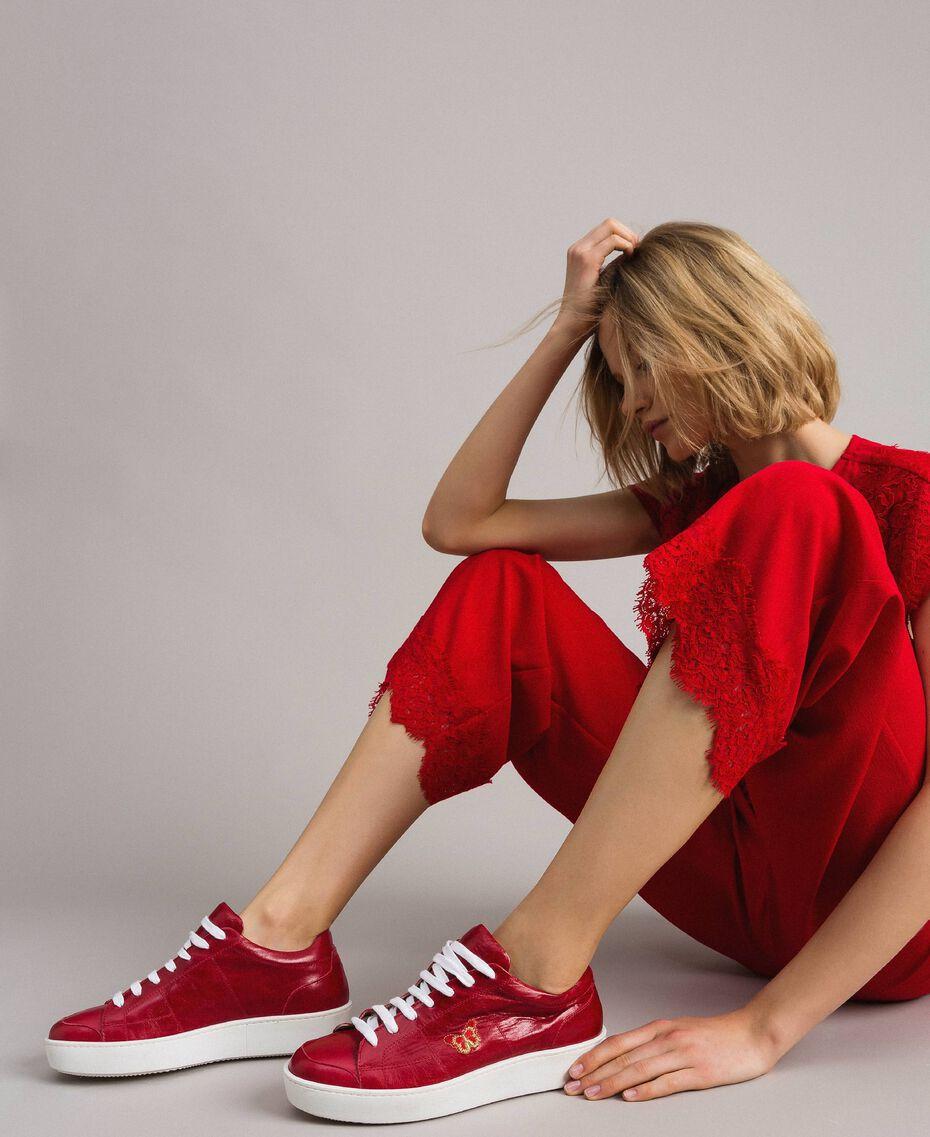 """Sneakers in pelle con ricamo a farfalla Rosso """"Lipstick Red"""" Donna 191TCT09Y-0T"""